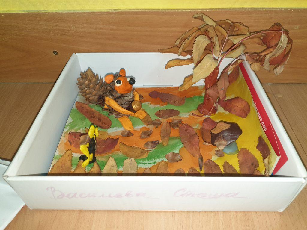 объемная картина из сушеных листьев