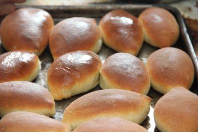 Пирожки с начинкой из яиц и лука